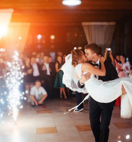 fontanny-iskier-pierwszy-taniec
